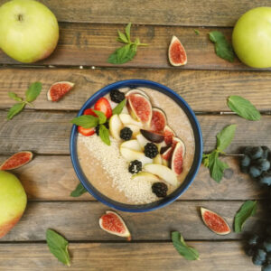 Flax porridge with apple and cinnamon