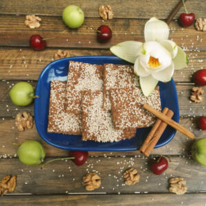 Apple cinnamon crackers